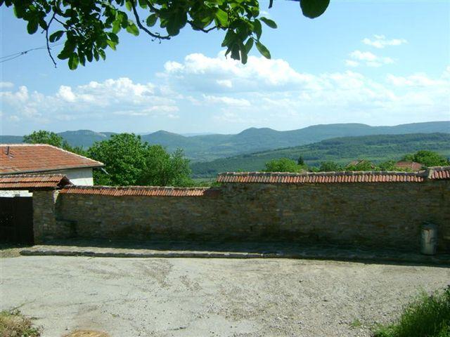 Купить дом в болгарии в горах недвижимость дубае цены