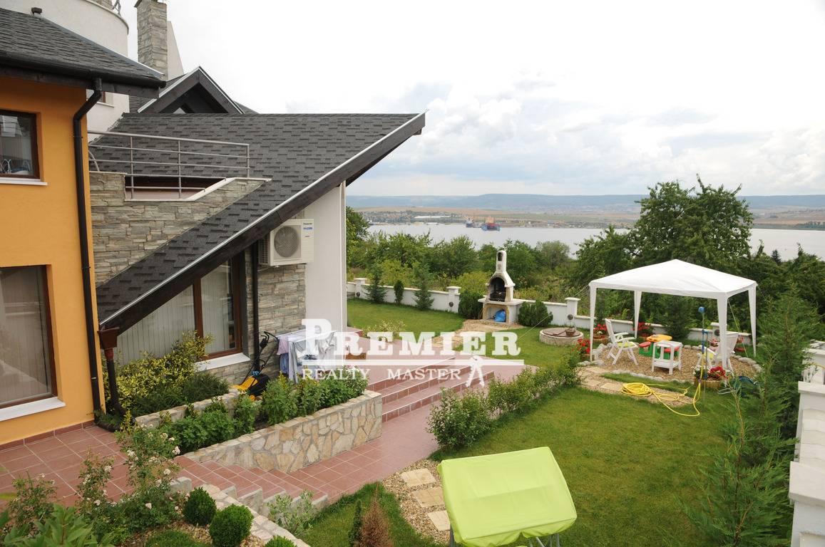 Купить дом в болгарии варна дубай марина яхт клуб